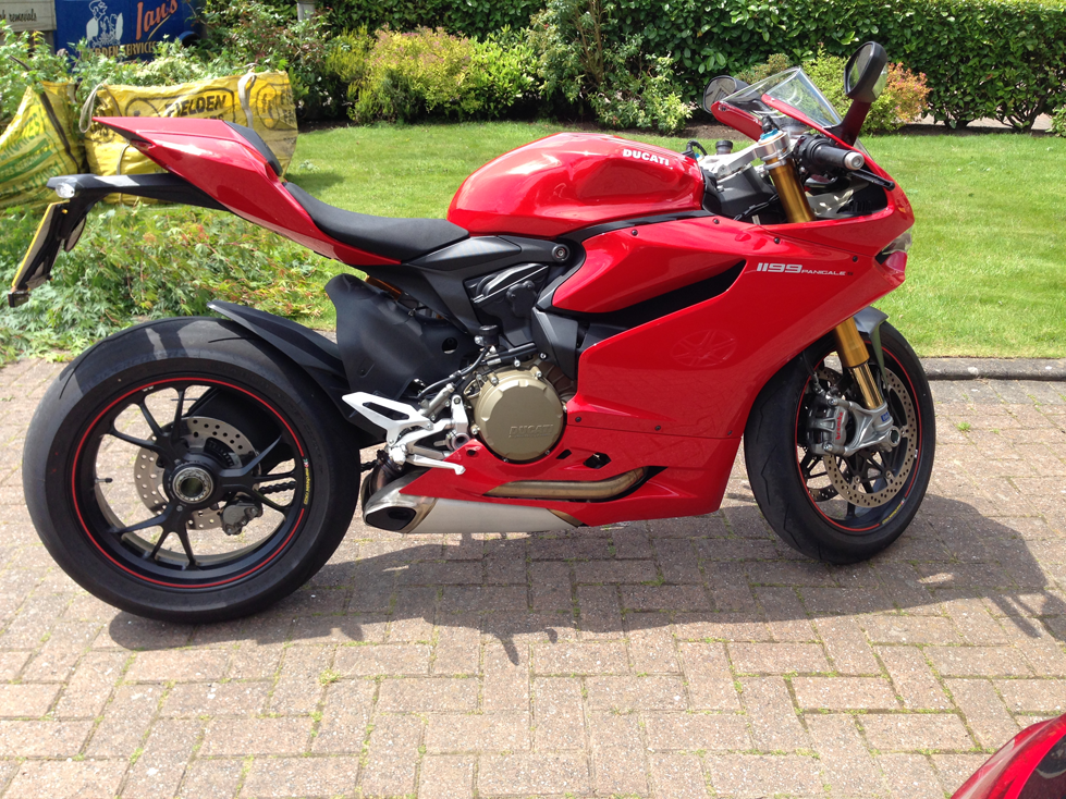 Ducati Panigale 899 and 1199 S Test Ride